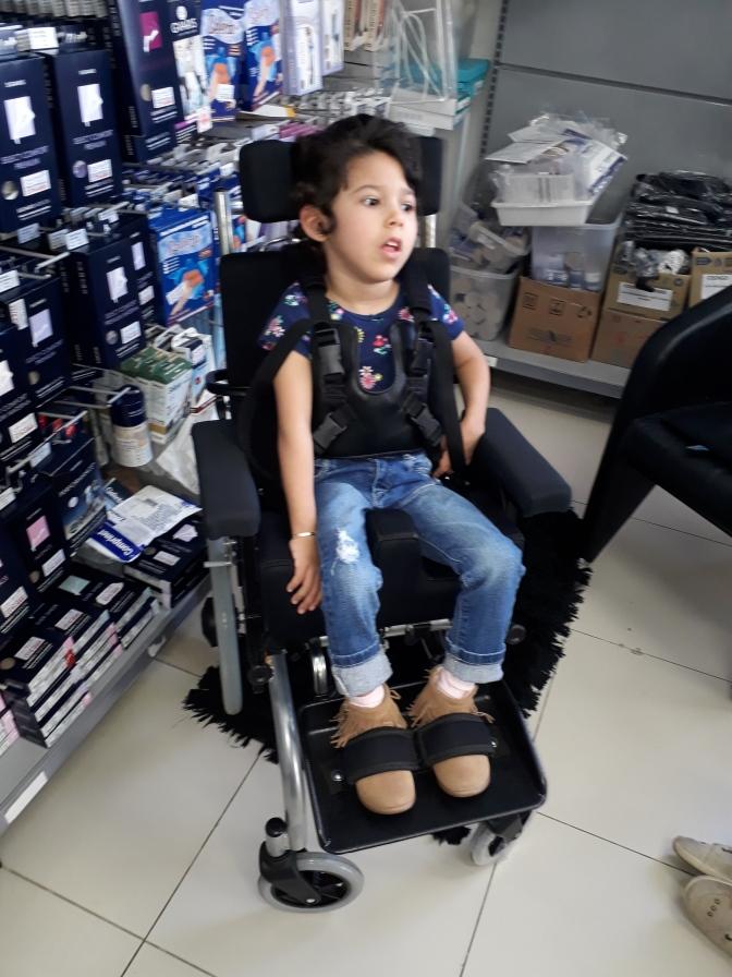 "Assista a ""Desabafo sobre a cadeira de rodas"" no YouTube"